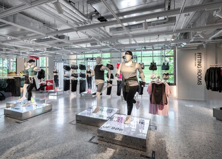 Nike Paris 4
